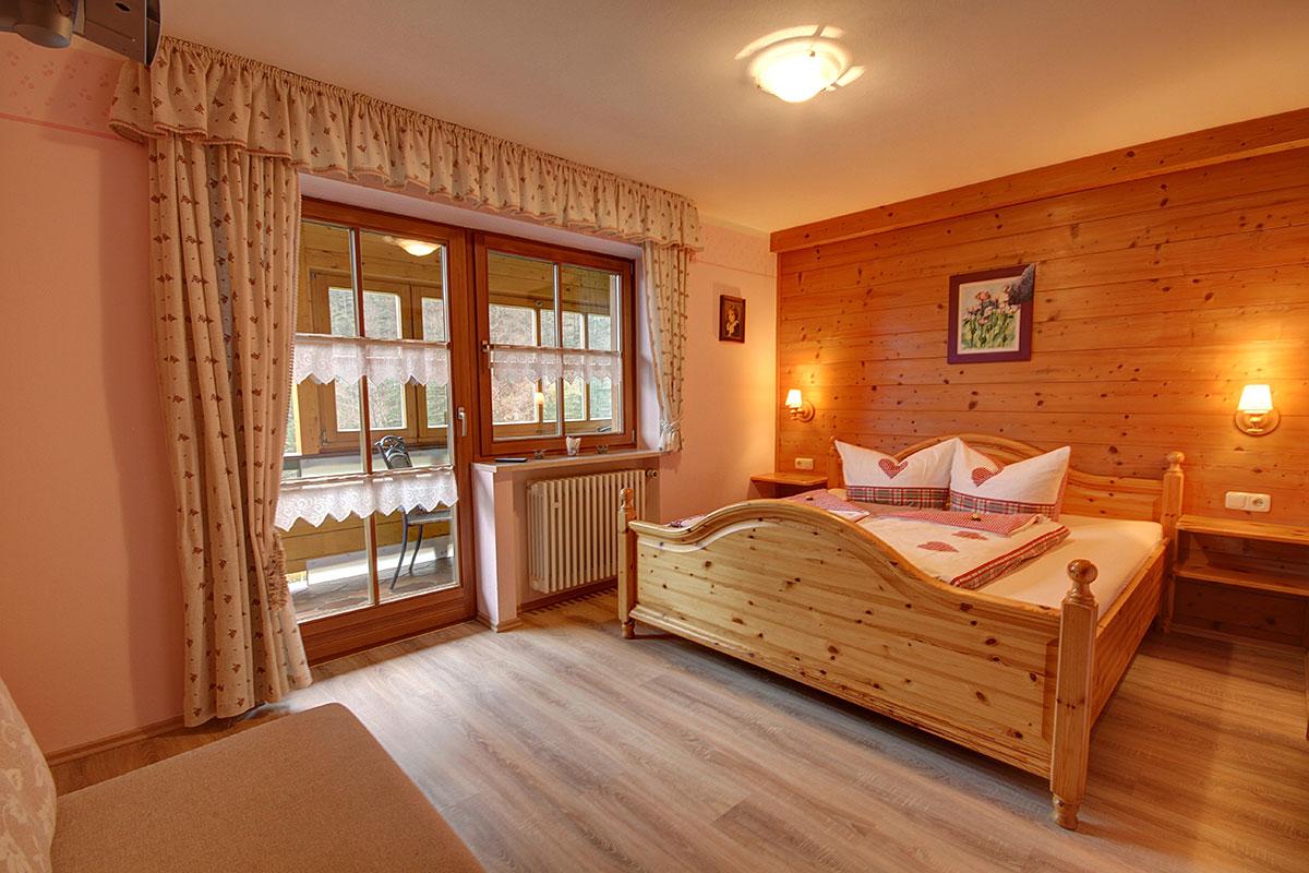 unsere ferienwohnung weissbachblick im detail. Black Bedroom Furniture Sets. Home Design Ideas